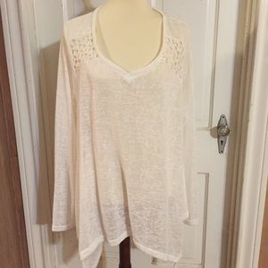 NWT Umgee + White Tunic with Lace. Size 1XL